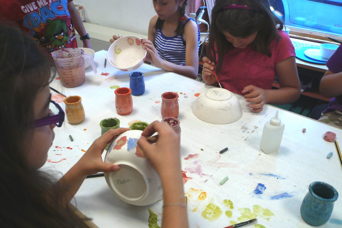 Talleres infantiles de cerámica para niños y niñas
